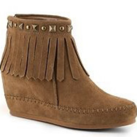 Crown Vintage Light Brown Fringe Ankle Boots